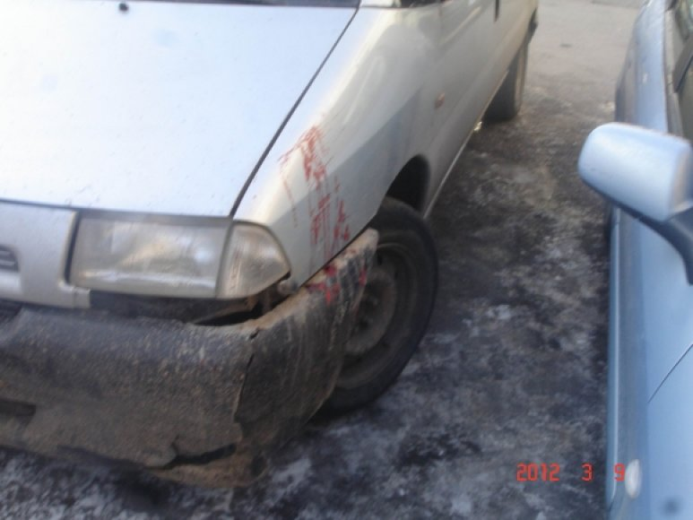 Vienas iš įtariamųjų net ir kraujuodamas bandė bėgti nuo pareigūnų
