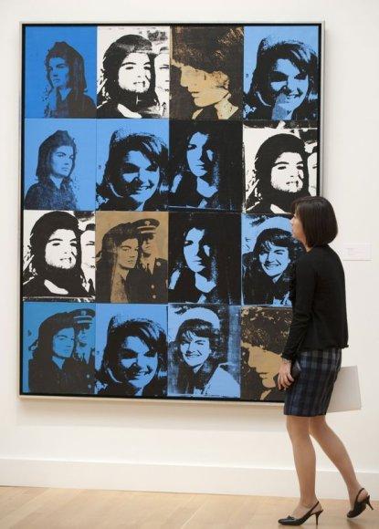"""Andy Warholo paveikslas """"Šešiolika Džekių"""""""