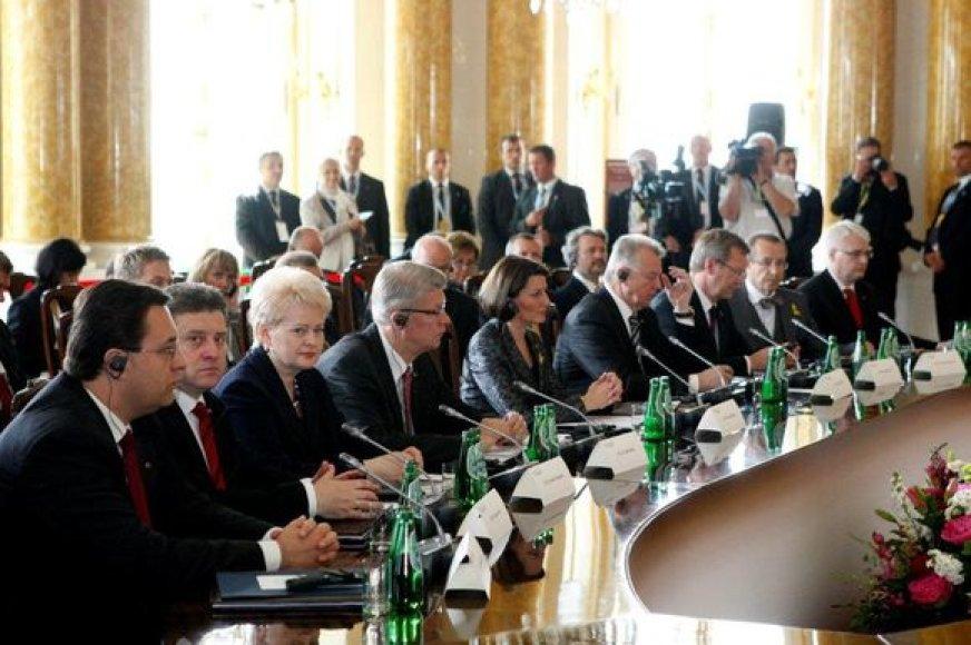 Lenkijoje vyksta Vidurio Europos šalių vadovų susitikimas