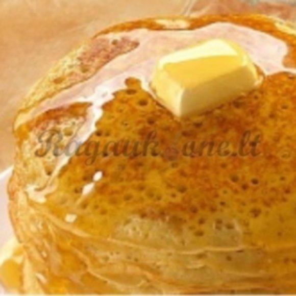 Gelsvi, gražiai apskrudę blyneliai gali tapti puikiu pusryčių patiekalu.