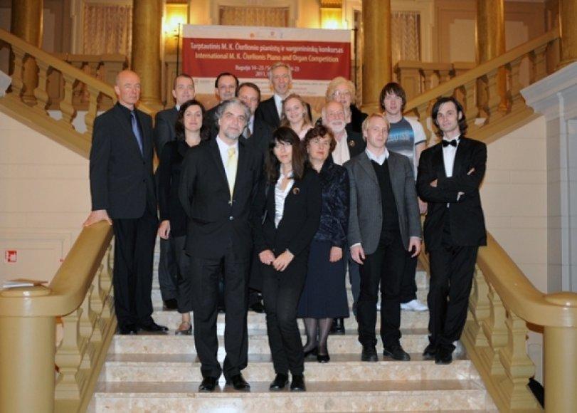 Konkurso komisija ir laureatai
