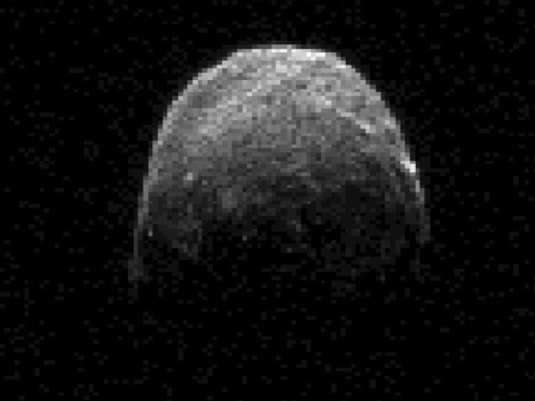 NASA radaro užfiksuotas asteroidas 2005 YU55