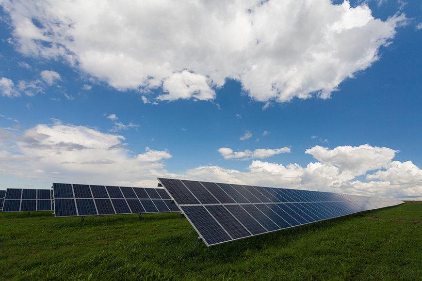 Žmonėms kyla pačių įvairiausių klausimų apie saulės energiją (projekto vykdytojo nuotrauka).
