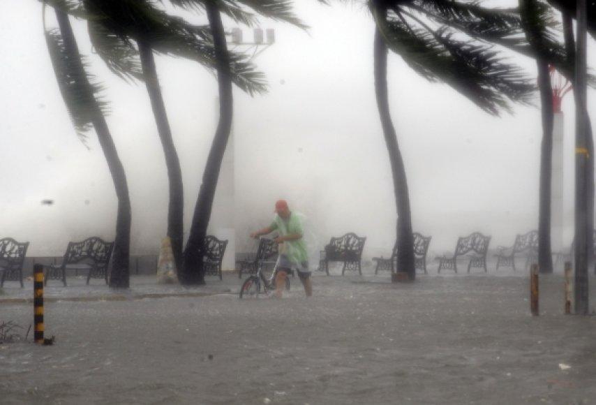Taifūnas smogė antradienį
