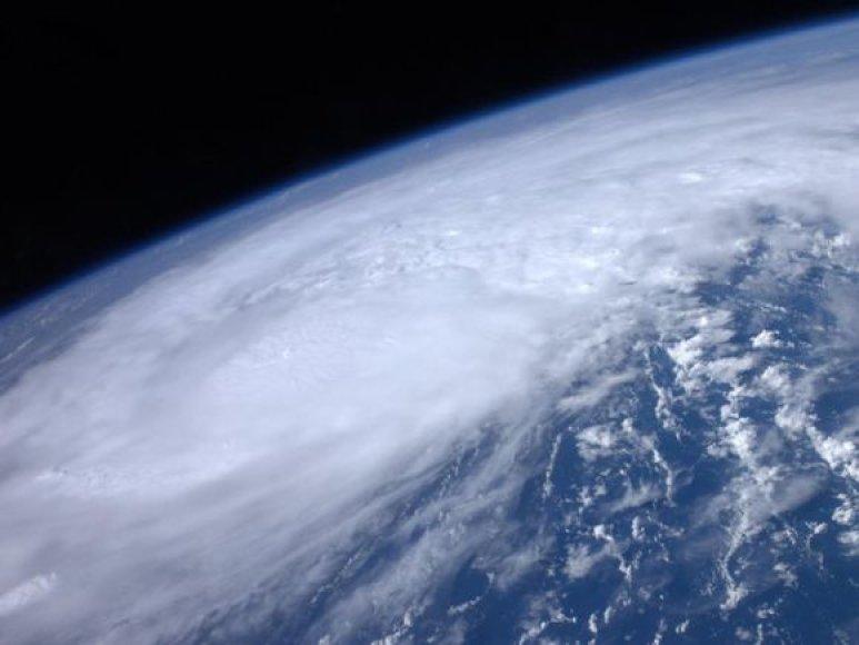 """Uraganas """"Irene"""" iš kosmoso."""