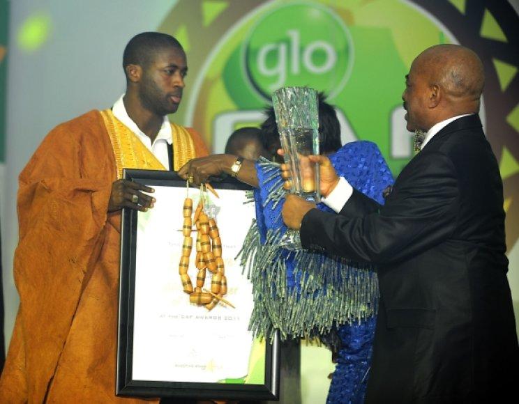 Yaya Toure apdovanojimų ceremonijos metu