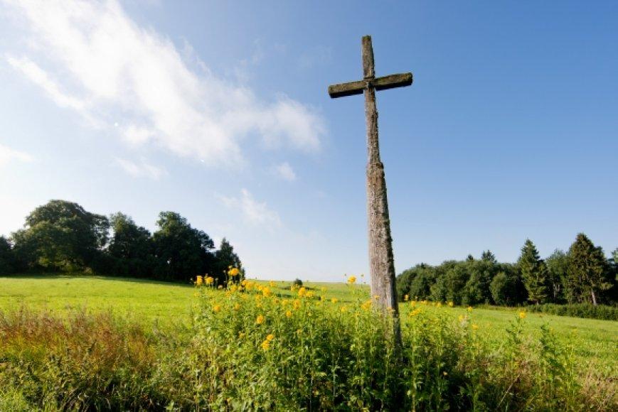 Senas kryžius Šilalės rajone