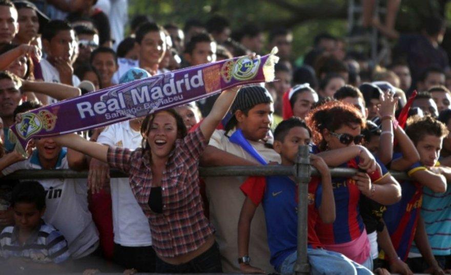 Madrido ir Barselonos futbolo gerbėjai