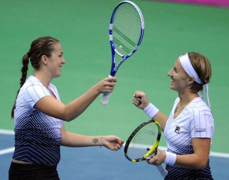 Anastasija Pavliučenkova ir Svetlana Kuznecova (Rusija)