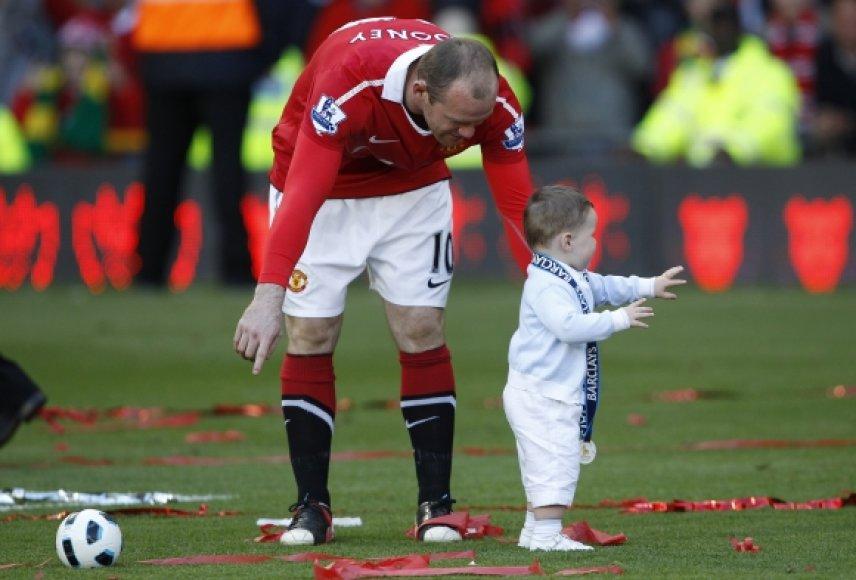 Wayne'as Rooney su sūnumi Kajumi