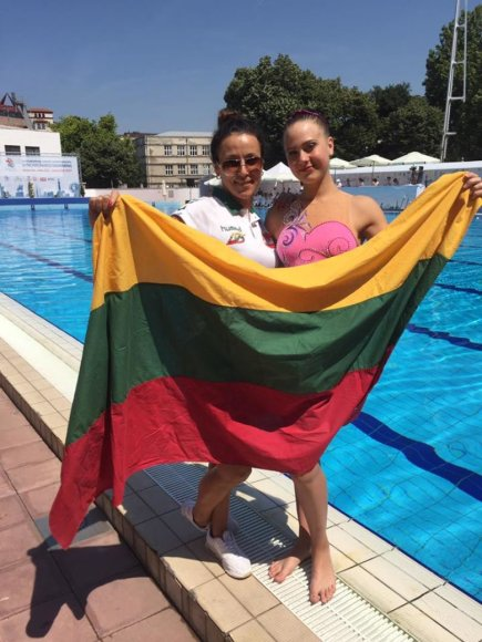 Ltuswimming.com nuotr./Lietuvos dailusiojo plaukimo atstovės