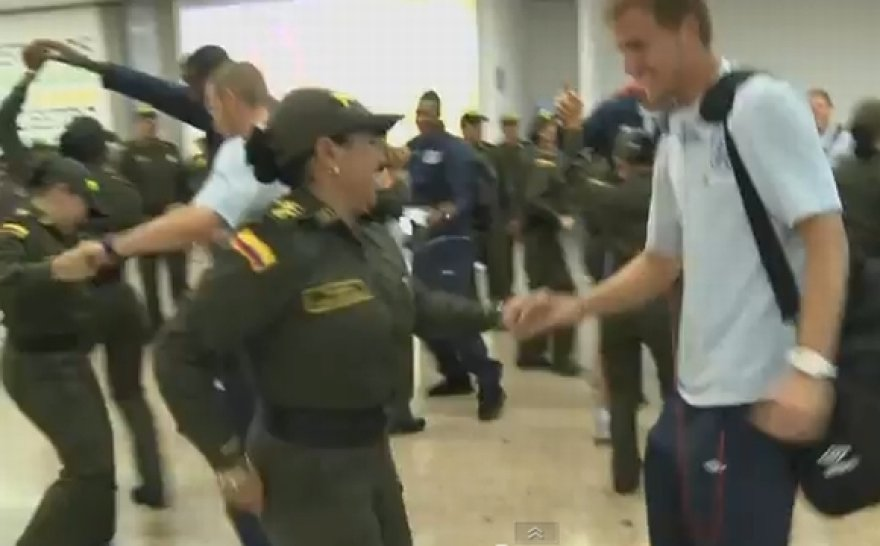 Anglijos futbolininkų pasitikimas oro uoste