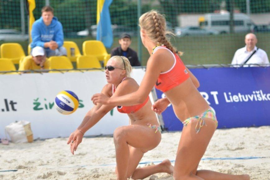 Ieva Dumbauskaitė ir Monika Povilaitytė