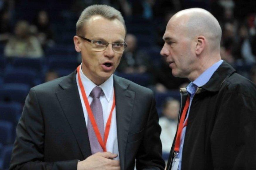 Romualdas Brazauskas (kairėje)