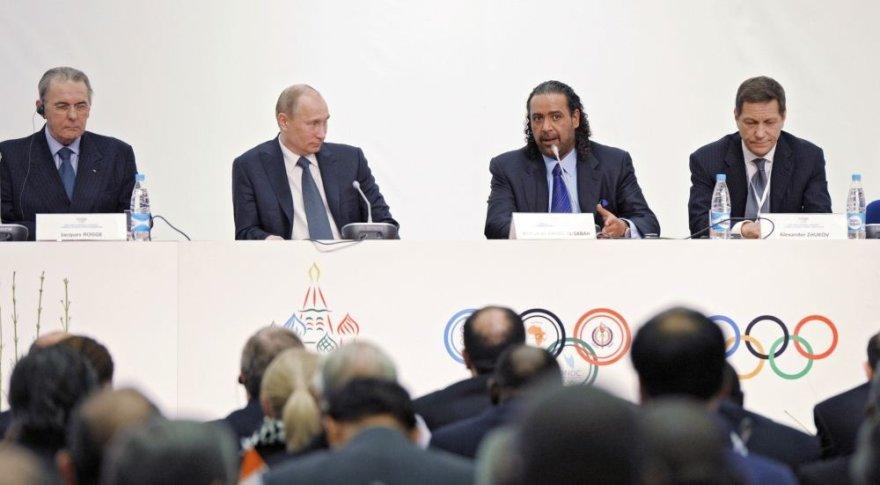 Jacques'as Rogge'as, Vladimiras Putinas, Ahmadas Al-Fahabas Al-Sabakas ir Aleksandras Žukovas