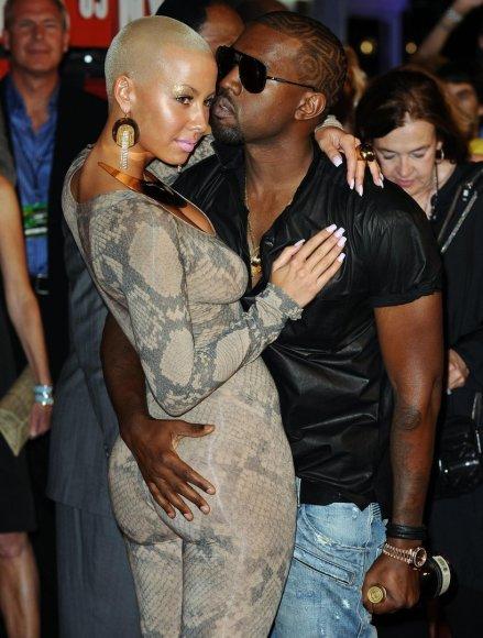 """""""Scanpix""""/""""PA Wire""""/""""Press Association Images"""" nuotr./Amber Rose ir Kanye Westas (2009 m.)"""