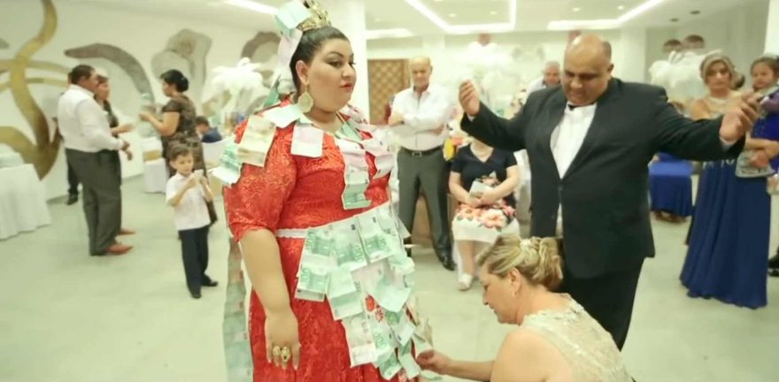 Video kadras/Ekstravagantiškos Slovakijos čigonų vestuvės
