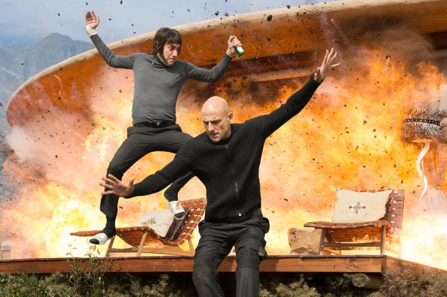 """Kadras iš filmo/Sacha Baronas Cohenas komedijoje """"Šnipas per klaidą"""""""