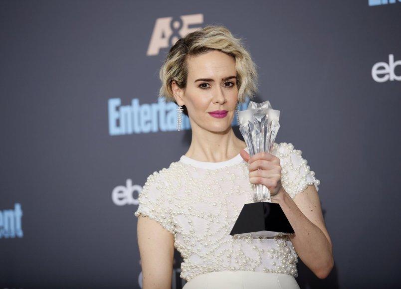 """""""Reuters""""/""""Scanpix"""" nuotr./Sarah Paulson triumfavo ir Kritikų pasirinkimo apdovanojimuose"""