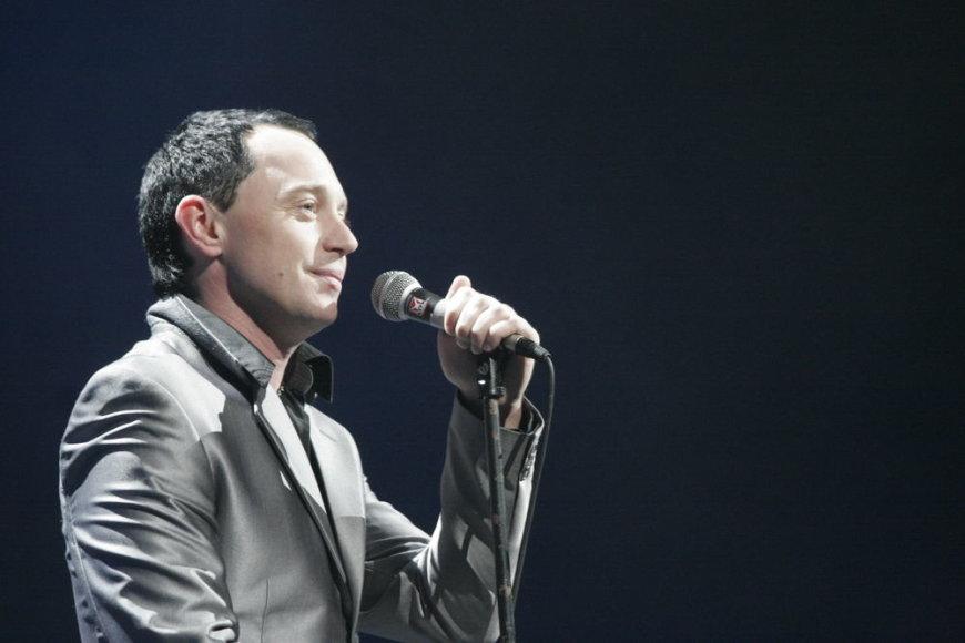 """Dainininkas Mindaugas Mickevičius-Mino Kauno """"Žalgirio"""" arenoje vykusiame koncerte pristatė keturias savo kūrybos dainas, parašytas rusų kalba"""