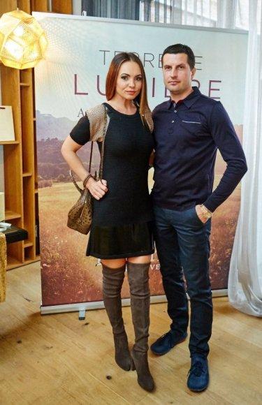 Algirdo Mažeikos nuotr./Neringa Mažeikienė su vyru Mindaugu