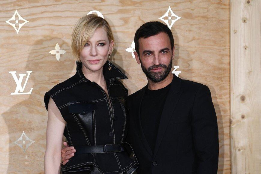 """AFP/""""Scanpix"""" nuotr./Aktorė Cate Blanchett ir """"Louis Vuitton"""" dizaineris Nicolas Ghesquieras"""