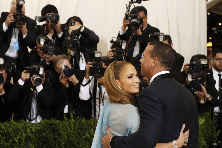 """Reuters""/""Scanpix"" nuotr./Jennifer Lopez ir Alexas Rodriguezas"