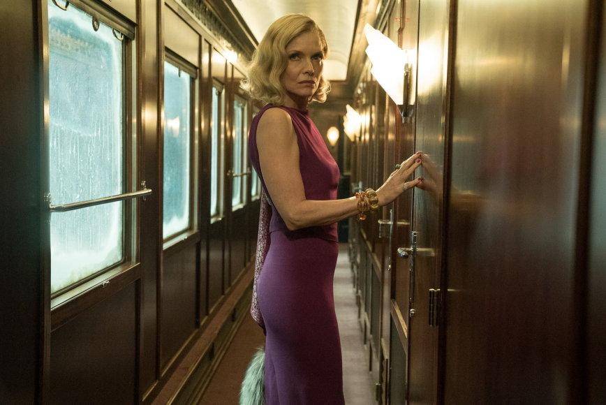 "Kadras iš filmo/Michelle Pfeiffer filme ""Žmogžudystė rytų eksprese"""