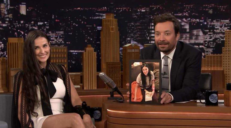 Video kadras/Demi Moore ir Jimmy Fallonas