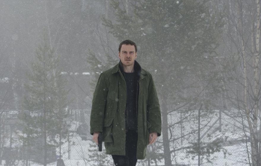 """Kadras iš filmo/Michaelas Fassbenderis siaubo dramoje """"Sniego senis"""""""