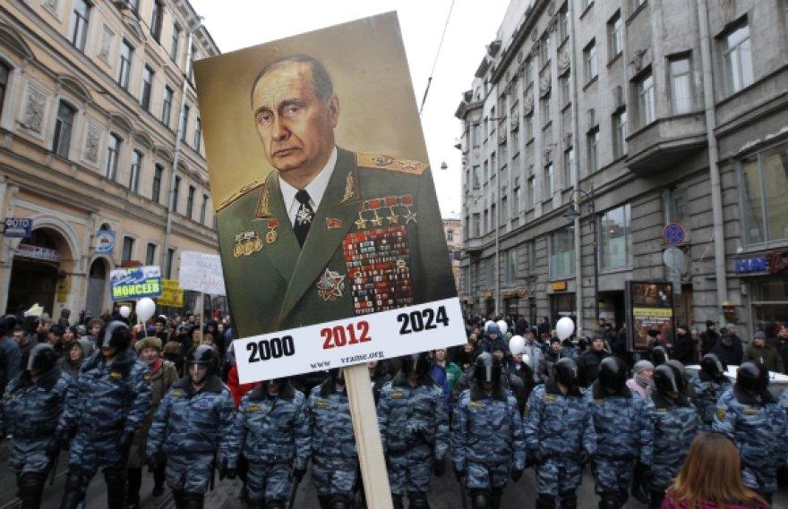 V.Putinas jau tapo pajuokų objektu, tačiau alternatyvos jam vis dar nėra.