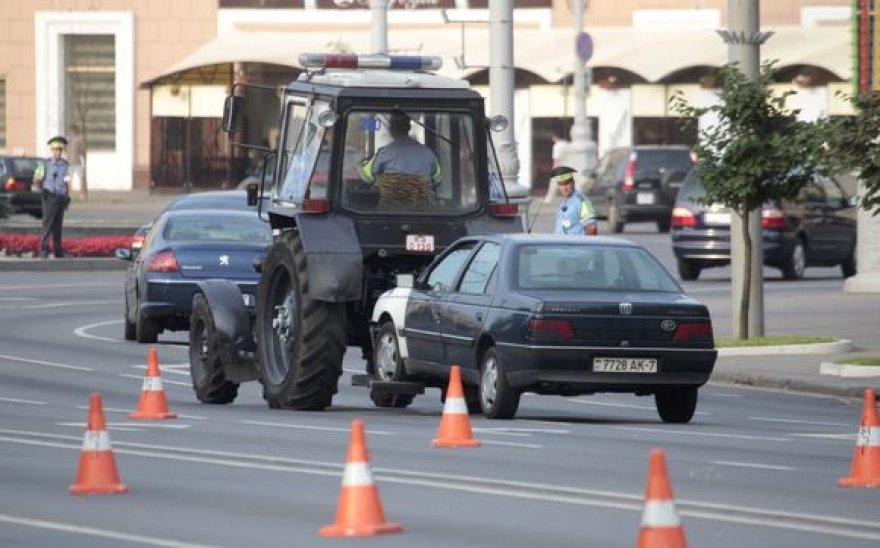 Minske vairuotojai protestavo prieš degalų brangimą