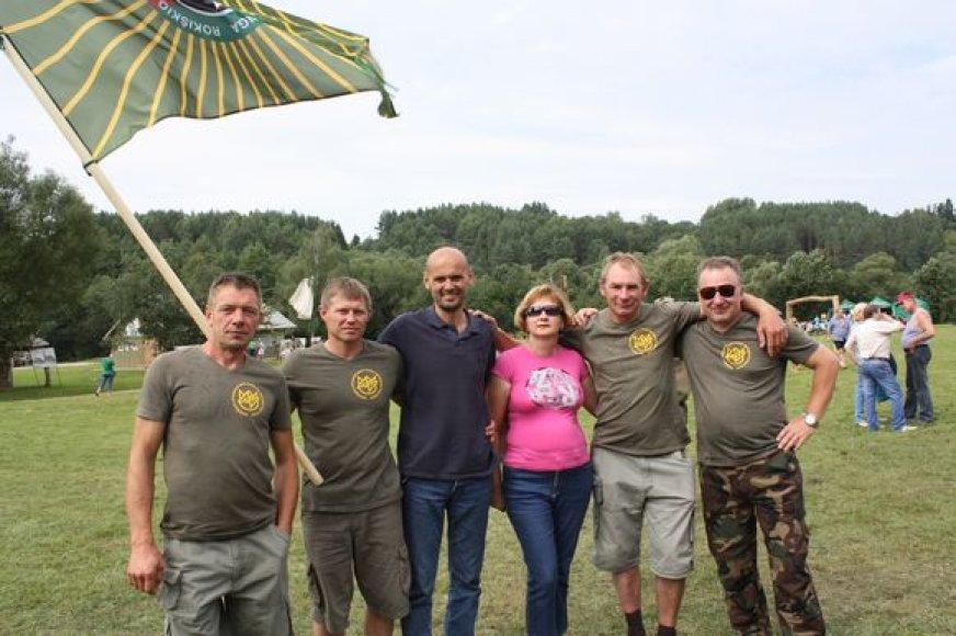 Veteranai Kauno rajone džiaugėsi susitikimu ir tarėsi, kaip spręsti socialines problemas.