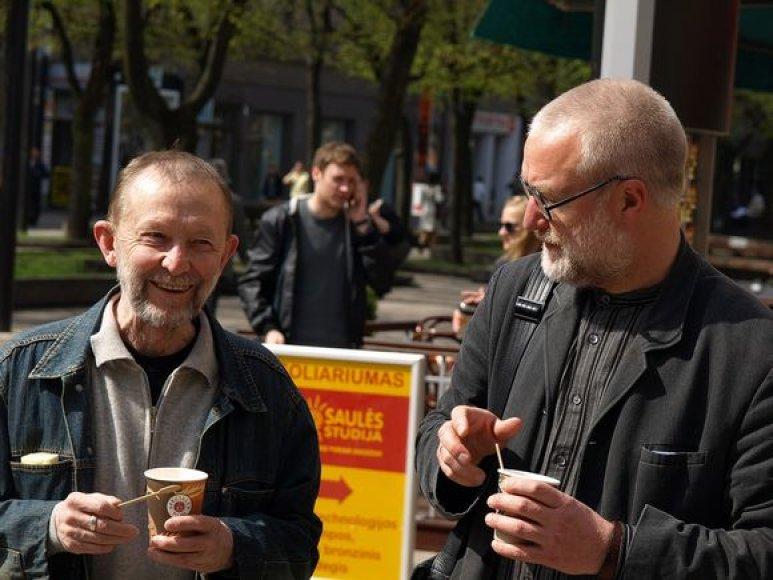 J.Gimberis ir A.Karalius (d.) į rimtas Kauno problemas žiūri pro humoro prizmę.
