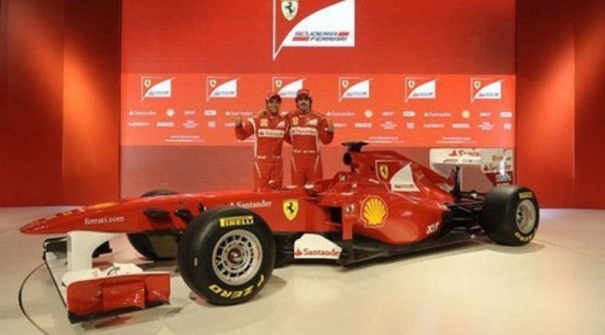 """""""Ferrari F150"""" bolido pristatymas"""