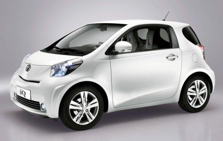 """Toyota iQ EV"""