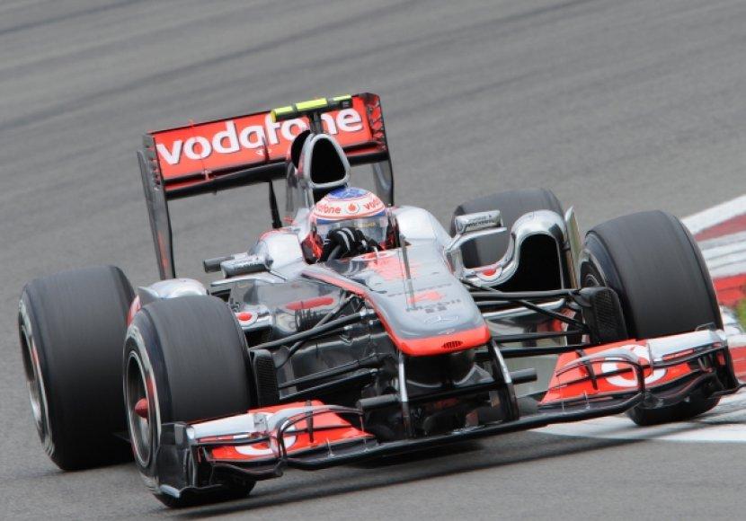 "Jensonas Buttonas, ""McLaren Mercedes"""