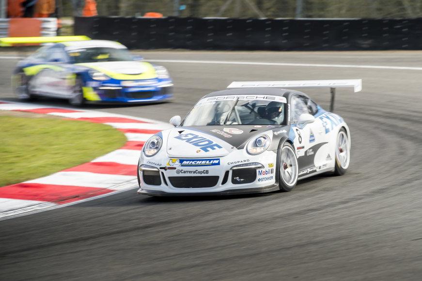 "2016 m. ""Porsche Carrera Cup GB"" lenktynės ""Brands Hatch"" trasoje"