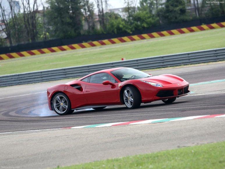 """4. """"Ferrari 488 GTB"""""""