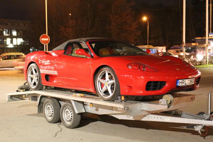 """Ferrari 360 Spider"" prieš kelionę per Europą"