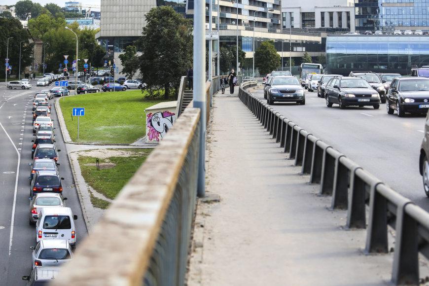 Irmanto Gelūno / 15min nuotr./Grūstis Vilniaus A.Goštauto ir Gynėjų gatvėse