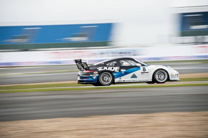 """Organizatorių nuotr./""""Porsche Carrera Cup GB"""" antras etapas Silverstone"""