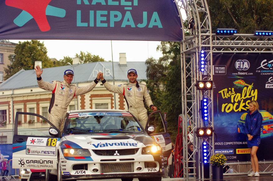 Dariaus Kibirkščio nuotr./Vytauto Švedo ir Žilvino Sakalausko ekipažas Europos ralio čempionate