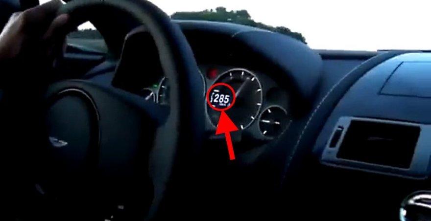 """""""Aston Martin Vantage"""" viršija leistiną greitį"""