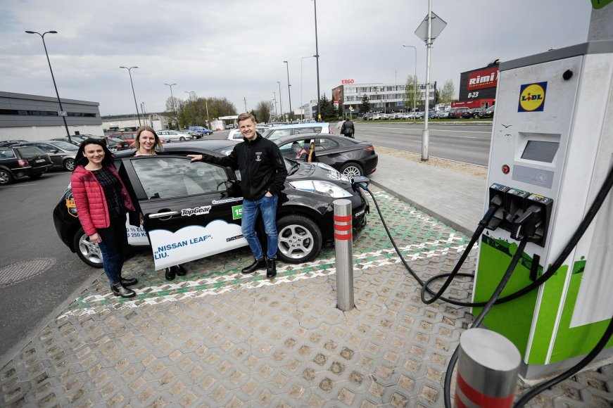 Mariaus Bendzelausko nuotr./Elektromobilių lenktynės 2017