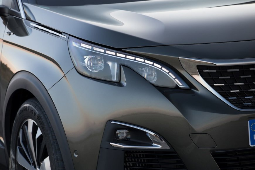 """Peugeot 3008"" LED žibintai"