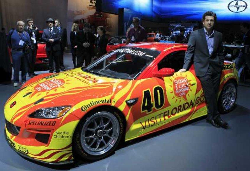 """Mazda RX-8"" lenktyninis automobilis"