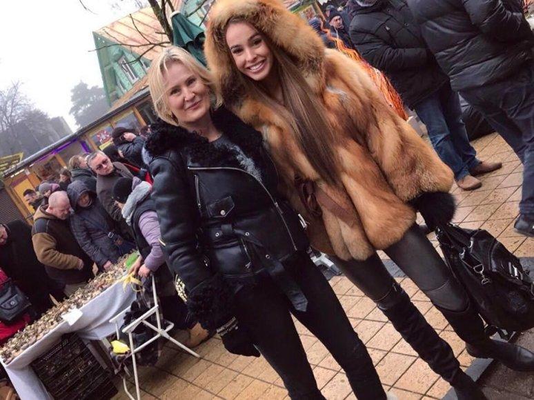 Asmeninio albumo nuotr./Viktorija Siegel su mama Valentina Siegel