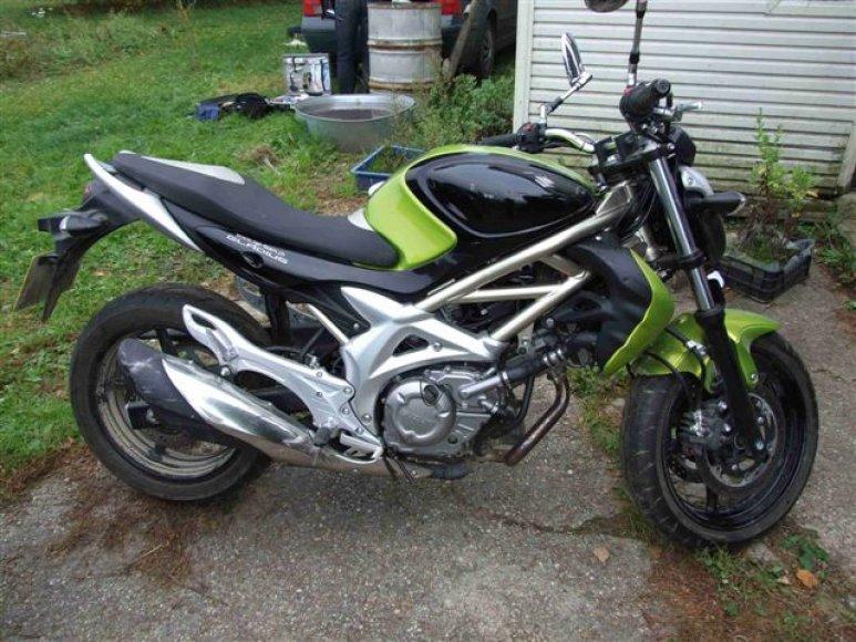 Pas sulaikytuosius rastas Šveicarijoje pagrobtas motociklas