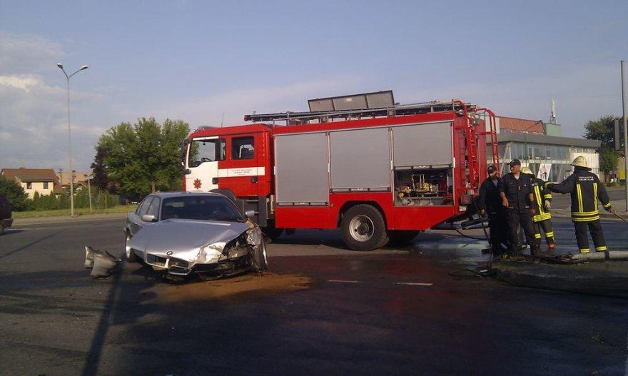 Klaipėdoje BMW automobilis susidūrė su mikroautobusu